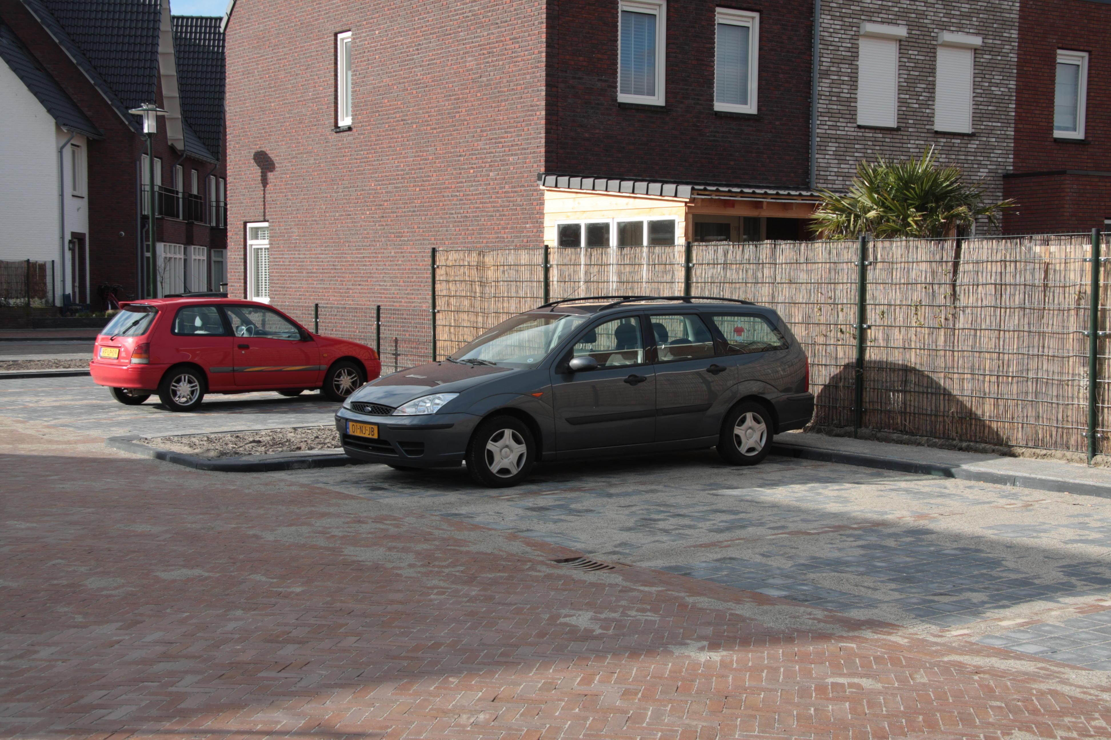 Extra parkeerplaatsen Poeldijk Dorp
