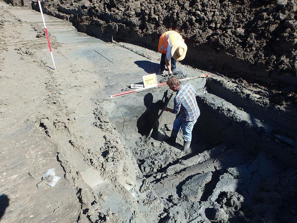 bij-archeologen-onderzoeken-waterput